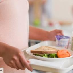 Cantines scolaires: à bas les produits frais, vive le surgelé!
